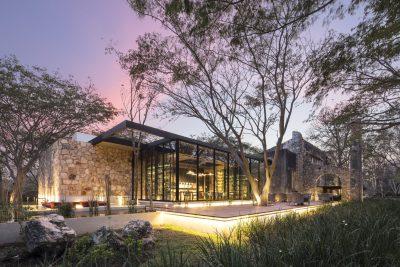 Retail design per il ristorante Ixi'im: da una rigenerazione di uno spazio ex-produttivo